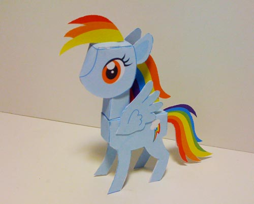 Rainbow Dash papercraft